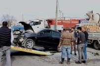 Samsun'da İki Otomobil Çarpıştı Açıklaması 4 Yaralı