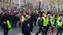 FRANSA CUMHURBAŞKANI - Sarı Yelekliler Bu Kez Kadınlar İçin Yürüdü