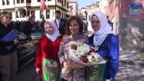 Uşak'ta 'Dokuyan Eller Halı Kilim Evi' Açıldı
