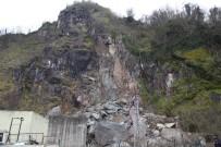 Tünelde Meydana Genel Göçüğün Ortaya Çıkardığı Manzara Gün Ağarınca Ortaya Çıktı