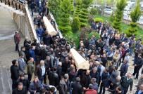 CENAZE NAMAZI - Düzce'de Trafik Kazasında Ölen 6 Kişi Toprağa Verildi