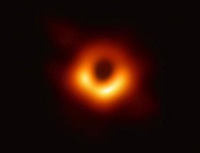 İlk kara delik fotoğrafı yayınladı