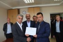 SAMIMIYET - MHP'li Belediye Başkanı Mazbatasını Aldı