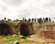 GIZEMLI - Zerzevan Kalesi'ne Turist Akını