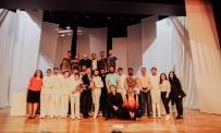 GÖKKAYA - '12 Öfkeli' Adlı Tiyatro Seyirciden Tam Not Aldı