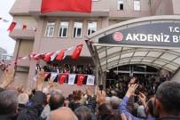 BAYRAK YARIŞI - AK Parti'nin Mersin Merkezde Seçilen İlk Belediye Başkanı Mazbatasını Aldı