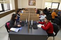 TÜRKÇE ÖĞRETMENI - Gençlik Kütüphanesi'ne Binlerce Öğrenci Kayıt Yaptırdı