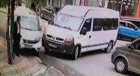 İŞÇİ SERVİSİ - (Özel) Minibüse Çarpmamak İçin Kaldırıma Çıktı, Yaşlı Adamı Elektrik Direğine Sıkıştırdı