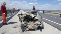 Aksaray'da İki Otomobil Çarpıştı Açıklaması 5 Yaralı