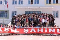 SÜPER LIG - Gazişehir Gaziantep Teknik Direktörü Altıparmak Ve Futbolcular Öğrencilerle Buluştu