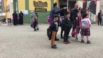 BOĞAZIÇI ÜNIVERSITESI - Sakarya'daki Depremde Vatandaşın Korku Dolu Anları Kameraya Yansıdı