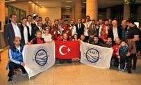 TAHA AKGÜL - Şampiyon Güreş Takımı Ankara'ya Döndü