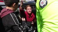 KADIN SÜRÜCÜ - Yayaya Çarpan Sürücü Arabası İçin Ağladı
