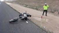 Aksaray'da Motosiklet Devrildi Açıklaması 1 Yaralı