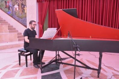 Klasik Müzikseverler 'Klavsen Konseri'nde Buluştu