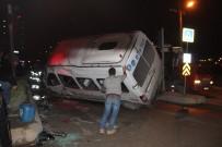 SOLAKLAR - Kocaeli'de Üç Araç Birbirine Girdi Açıklaması 8 Yaralı