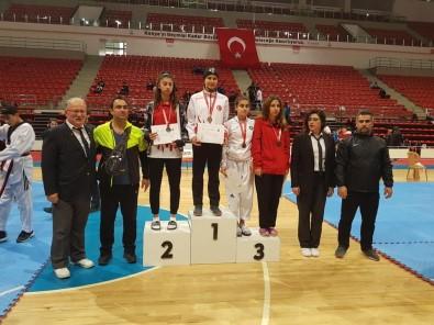 Taekwondo'da Büşra Öztürk Türkiye İkincisi