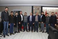AK Partili Gençler Başkan Öztürk'ü Ziyaret Etti