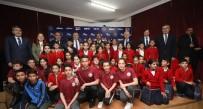 YILDIRIM DEMİRÖREN - Bakan Kasapoğlu, 35 Bin Öğrenciye Spor Malzemesi Desteğini Gaziantep'ten Başlattı