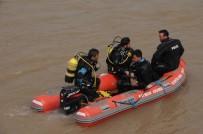 HAFTA SONU - Balık Tutarken Nehre Düşüp Kaybolan Genci Arama Çalışmaları Devam Ediyor
