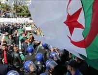 ANAYASA KONSEYİ - Cezayir'de Anayasa Konseyi Başkanı istifa etti
