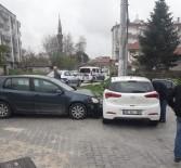 Kadın Sürücülerin Kullandığı Otomobiller Çarpıştı Açıklaması 1 Yaralı