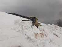 KARLA MÜCADELE - Karlıova'da Çığ, Yedisu'da Karla Mücadele