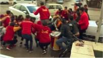 Otomobil, Kutlama Yapan Taraftarların Arasına Daldı