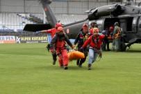 KEMAL ÖZTÜRK - Paraşüt Kazasında Ölen Pilot Ve Yabancı Yolcunun Cenazeleri 21 Saat Sonra Kurtarıldı
