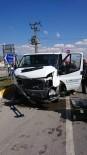 Denizli'de Trafik Kazası Açıklaması 4 Yaralı