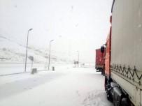 HAVA SICAKLIĞI - Kar Yağışı Ve Buzlanma Kop İle Sakaltutan'da Ulaşımı Aksattı