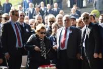 BİNALİ YILDIRIM - Turgut Özal, Vefatının Yıl Dönümünde Kabri Başında Anıldı