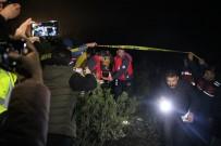 YARIŞ - Mağarada Mahsur Kalan Definecilerden 4 Saat Sonra Güzel Haber
