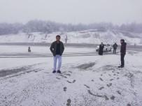 KAR SÜRPRİZİ - Nisan Ayında Kar Manzarasını Kaçırmadılar