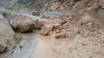 Sason'da Yağışlar Sel Ve Heyelana Neden Oldu