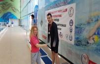 MEHMET AKİF ERSOY - Tek Kolu İle Yüzme Şampiyonu Oldu