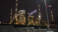 MURAT SEFA DEMİRYÜREK - Binlerce Kişi Çamlıca Camii'ne Akın Etti