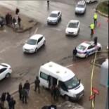 Dalgınlıkla Işıklarda Valizi Unuttu, Polisi Harekete Geçirdi