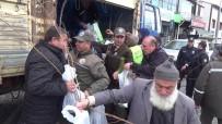 KıYAMET - Erzurum'da Orman Bölge Müdürlüğü Berat Kandili Dolayısıyla Ücretsiz Fidan Dağıtımı Yaptı