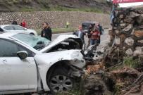 DİREKSİYON - Hatay'da Trafik Kazası Açıklaması 3 Yaralı