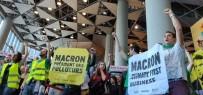 PROTESTO - İklim Savunucuları Dev Fransız Firmalarına Girişi Engelledi