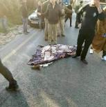 PROTESTO - İsrail Askerleri Vurdukları Genci Sağlık Ekiplerine Vermek İstemedi