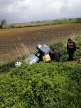 DİREKSİYON - Kahramanmaraş'ta Hafif Ticari Araç Şarampole Yuvarlandı Açıklaması 4 Yaralı