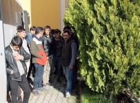 KAÇAK - Midyat'ta 35 Kaçak Göçmen Yakalandı