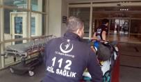 REHABILITASYON - Siirt'te Engelli Bireyleri Taşıyan Minibüs Kaza Yaptı Açıklaması 4 Yaralı