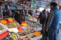 BALIK FİYATLARI - Tezgahlarda Balık Çeşitliliği Arttı, Fiyat Düştü