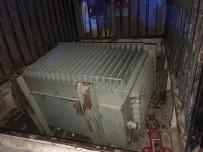 JANDARMA KOMUTANLIĞI - Çaldıkları Elektrik Trafosu İle Birlikte Yakalandılar