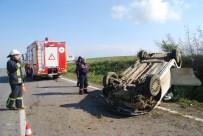 DİREKSİYON - Çocuk Sürücünün Kullandığı Otomobil Takla Attı Açıklaması 1 Ölü, 1 Yaralı