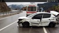 DİREKSİYON - Devrek'te Trafik Kazası Açıklaması 4 Yaralı