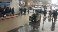 YILDIRIM DÜŞMESİ - Elazığ'da Kuvvetli Yağmur Etkili Oluyor